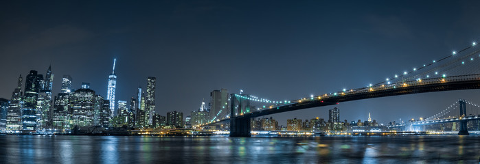 Obraz na Plexi Mosty new york cityscape night view from brooklyn