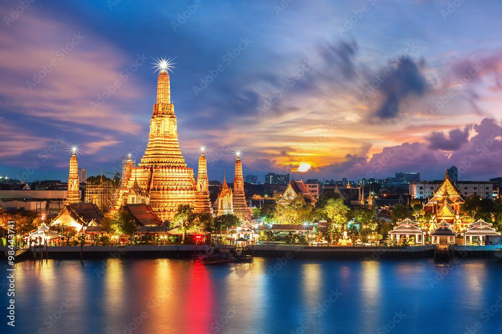 Fototapety, obrazy: Wat Arun night view Temple in bangkok, Thailand..