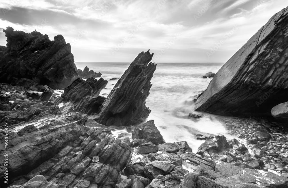 Láminas Océano salpicado de rocas | Europosters.es