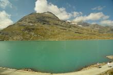 Lago Alimentato Da Ghiacciaio ...