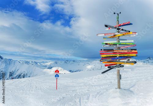 Fotografía  Crossroad sign Ischgl, Austria