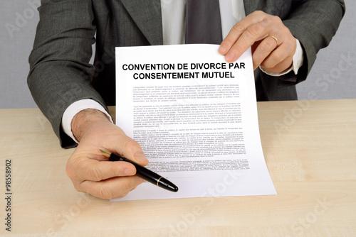 Convention De Divorce Par Consentement Mutuel Buy This Stock Photo