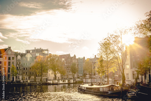 Photo  Amsterdam-Gracht im Sonnenlicht