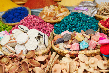 FototapetaSelection of spices on a traditional Moroccan market