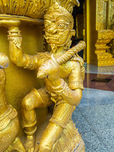 The Golden Creative Sculpture ...
