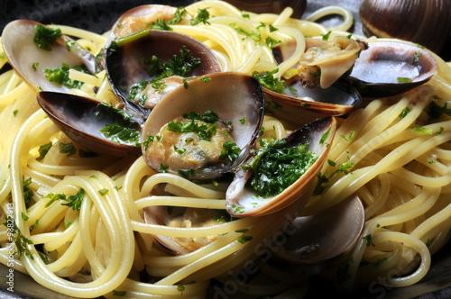 Poster  Spaghetti con le vongole ヴォンゴレ 스파게티 알레 봉골레 مطبخ نابولي Cucina napoletana Masakan