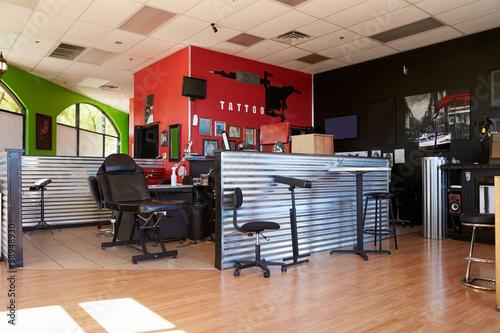 Photo Interior Of Empty Tattoo Parlor