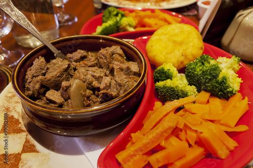 Fotografia  Beef Ireland stew with vegetables