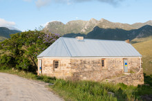 Historic Tollhouse In The Mont...