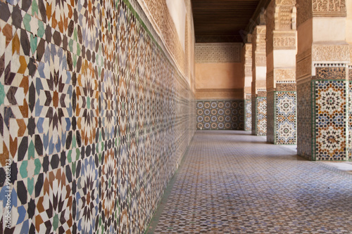 Tuinposter Marokko Koranic school / I took this picture in a former school of the Koran. I wanted to convey the order and rigor that are specific to this environment and in the mosaics found further expression.