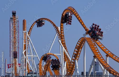 Zdjęcie XXL Nowoczesny rollercoaster