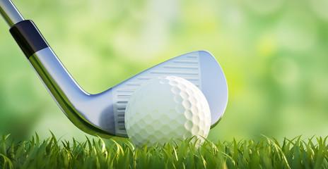 Golfball mit Schläger vor Grün