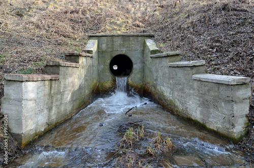 Valokuvatapetti Cement sewer drain pipe