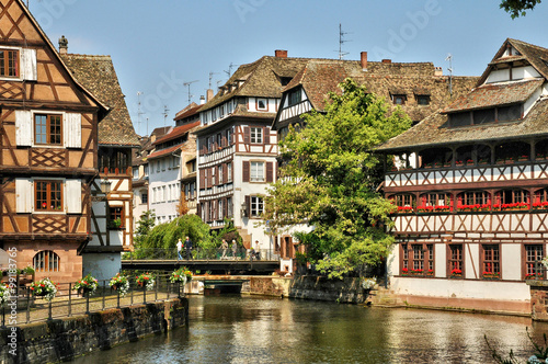 old houses in the district of La Petite France in Strasbourg Canvas-taulu