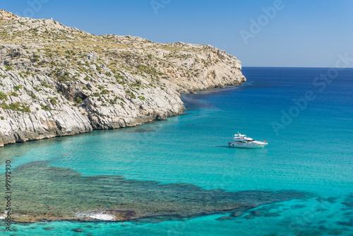 Majorka - zatoka Cala Sant Vicenc i jacht