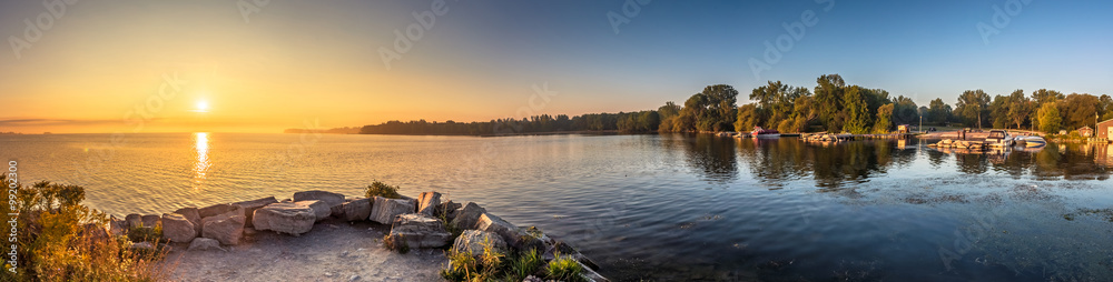 Fototapeta View of a beach at a Provincial Park in Ontario Canada during sunrise