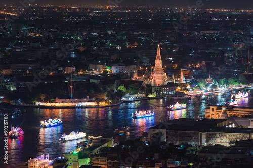 Fototapeta Wat arun under loy krathong day ,Thailand obraz na płótnie