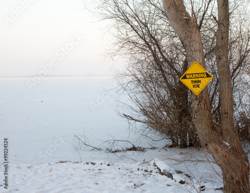 Fotografia, Obraz  Danger frozen ice ahead