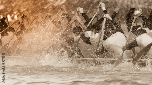 Fototapety Sport  close-up-of-rowing-team-race-with-vintage-color-tone