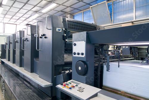 Fotografie, Obraz  Macchine industriali per stampe a 5 colori