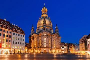 Fototapeta na wymiar Frauenkirche at night in Dresden, Germany