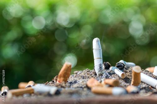 Cigarette in ashtray Tapéta, Fotótapéta
