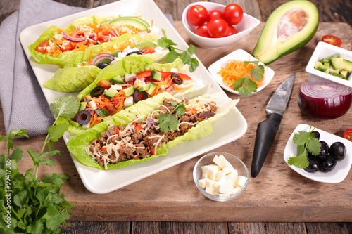 Photo sur Toile Entree lettuce wrap