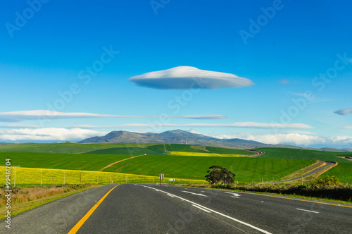 Türaufkleber UFO Lenticularis Wolken über der Garden Route; Südafrika