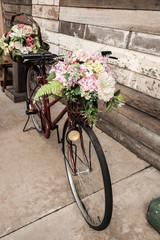 Fototapeta na wymiar Bicycle flower basket