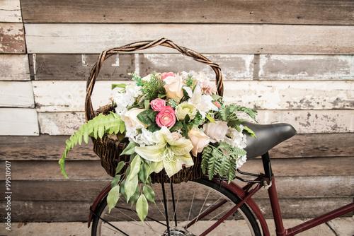 Foto op Plexiglas Fiets Bicycle flower basket