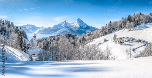 winter-wonderland-with-chapel-in-the-alps