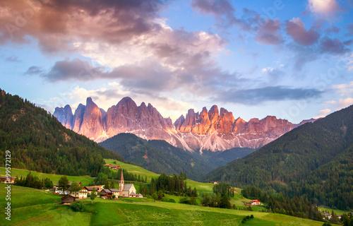 Fotografie, Obraz  Santa Maddalena, Dolomity, Itálie