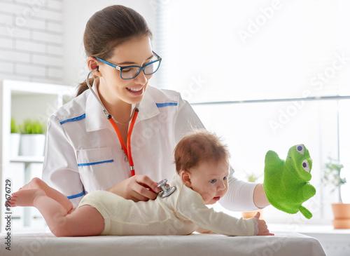 baby in a hospital Lerretsbilde