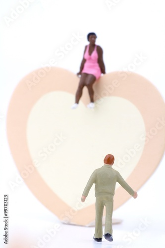 Photographie  miniature di innamorati in corteggiamento