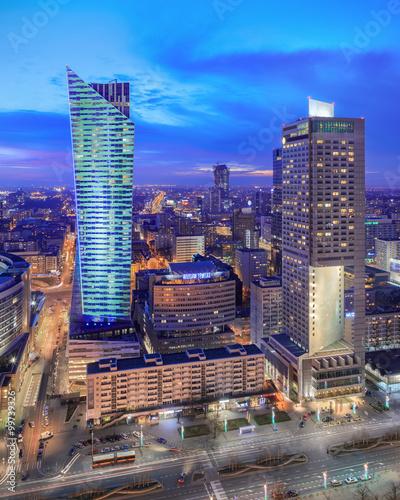panorama-nowoczesnej-warszawy-noca