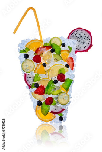 In de dag Opspattend water Ice fruit cocktail with ice cubes on white background