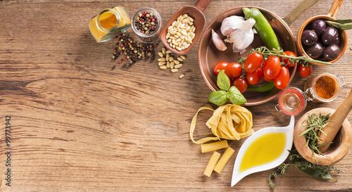 Fotografie, Obraz  tavola con cibo e ingredienti