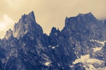 Pochmurne góry Alp