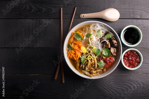 Αφίσα  Traditional chinese soup