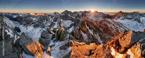 Deurstickers Chocoladebruin Scenery of high mountain with lake and high peak