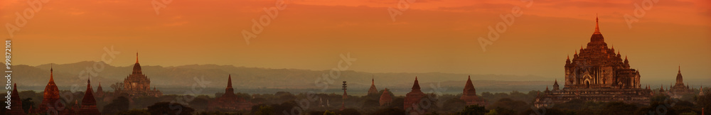 Fototapeta Panorama of Bagan historical site in Myanmar (Burma)