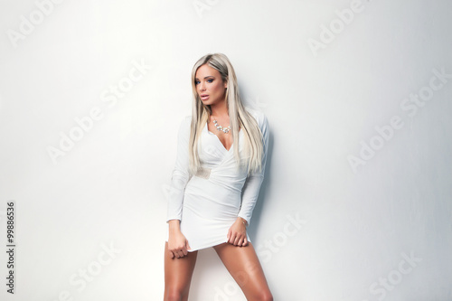 Fotografija  portrait of  sexy beauty woman in white dress