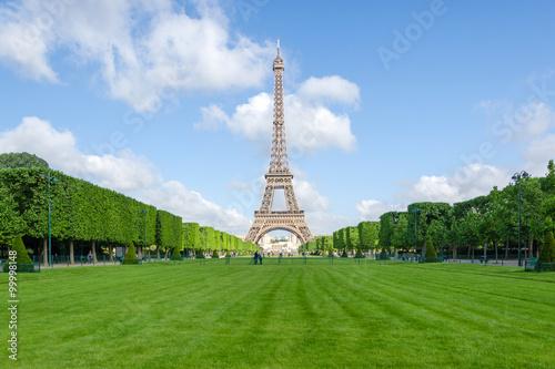 Photo  Eiffel Tower, Iconic of Paris
