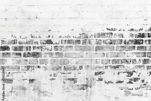 Fond de hotte en verre imprimé Brick wall Old brick wall with damaged white paint layer
