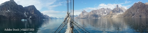 La pose en embrasure Pôle Sailing Greenland, the land of ice, polar bears... and sailing!