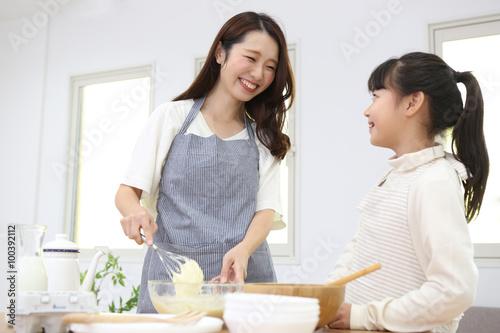 Fotografía  料理を作る親子