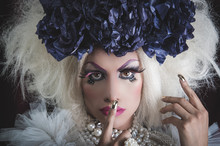 Drag Queen With Spectacular Ma...