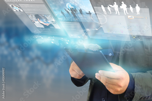 Photo businessman working on virtual screen.business concept,technolog