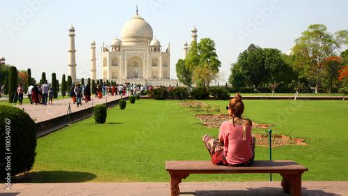 Fotografie, Obraz  Caucasian woman at Taj Mahal