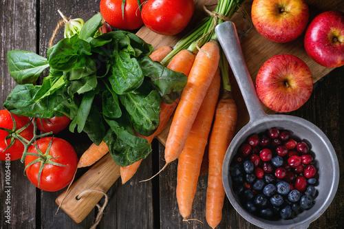 Foto op Plexiglas Groenten Mix of fruits, vegetables and berries